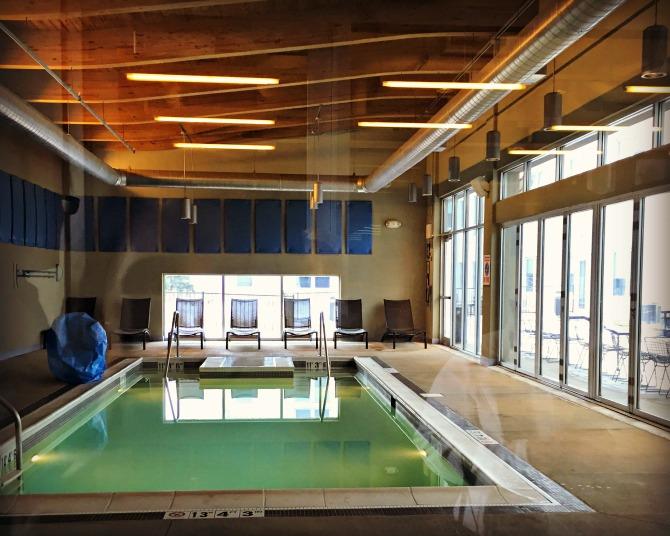 Aloft Chicago OHare Pool