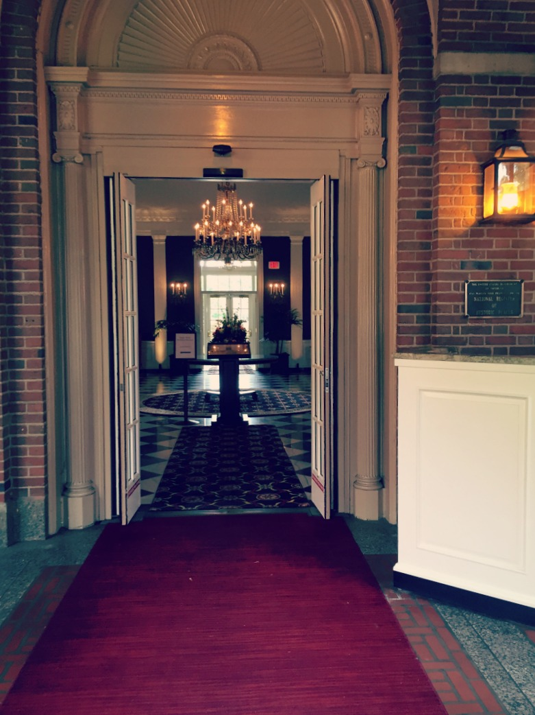 The Dearborn Inn Henry Ford Red Carpet Entrance